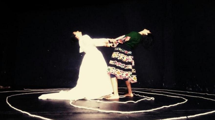 """Una escena del montaje  """"Conquistadoras del Silencio"""", de Charo feria, realizado en Bogotá."""