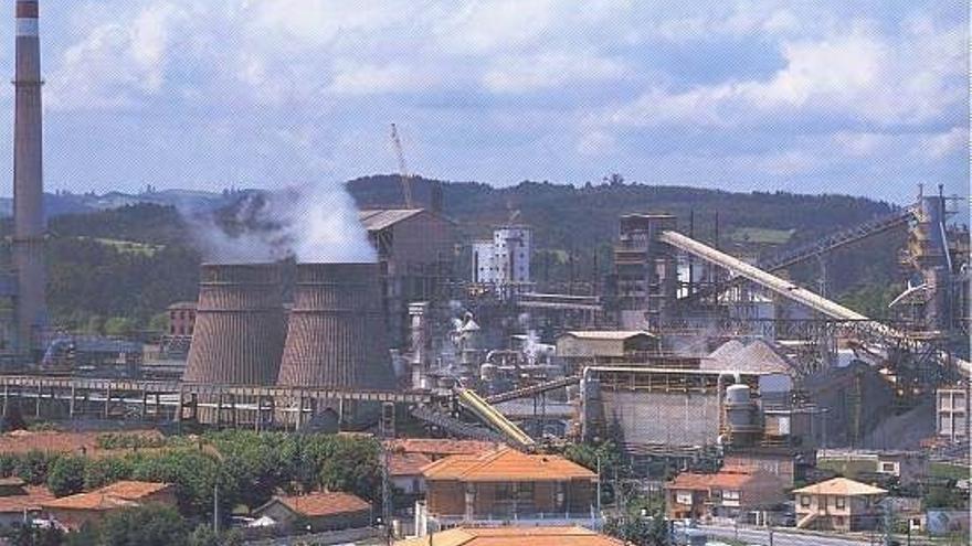 """USO denuncia el """"abandono de inversiones"""" de Solvay en Barreda"""