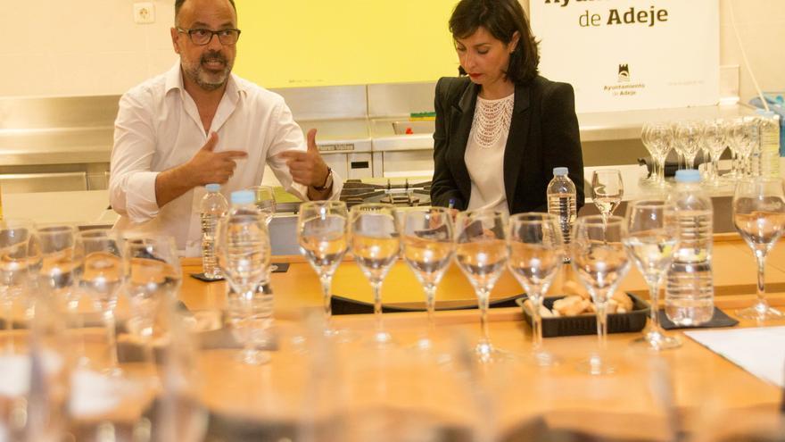 El enólogo Carlos Lozano durante el proyecto proyecto 'Degusta.me'.