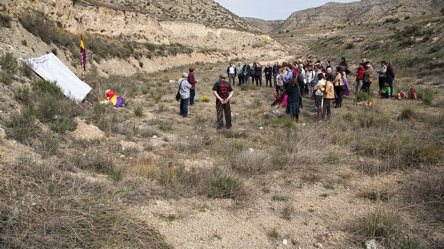 La asociación Arico ha realizado en los últimos años jornadas de recuerdo en el paraje del Barranco de la Bartolina.