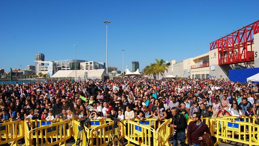 Más de 10.000 personas se congregaron en el Muelle Santa Catalina