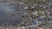 Vista aérea del desastre ocasionado por el tifón en Filipinas.