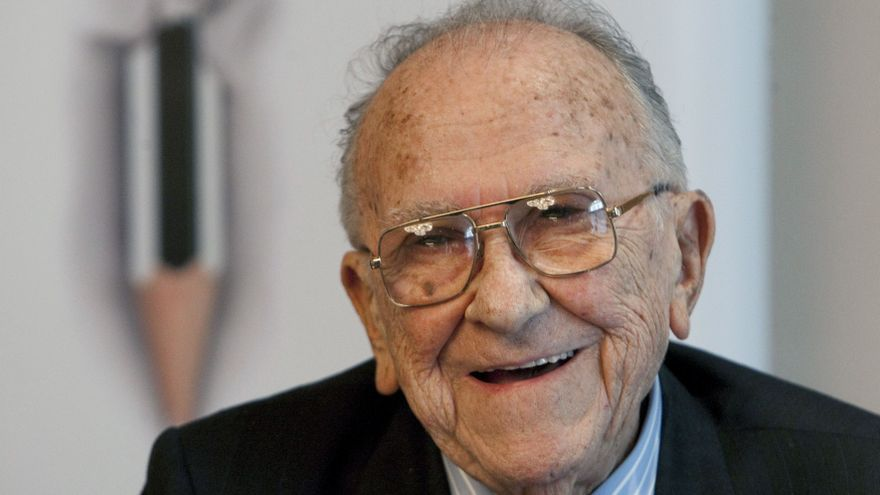 El ex secretario general del PCE Santiago Carrillo. / Efe