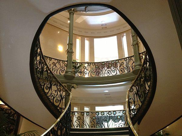 escalera-palacio-longoria