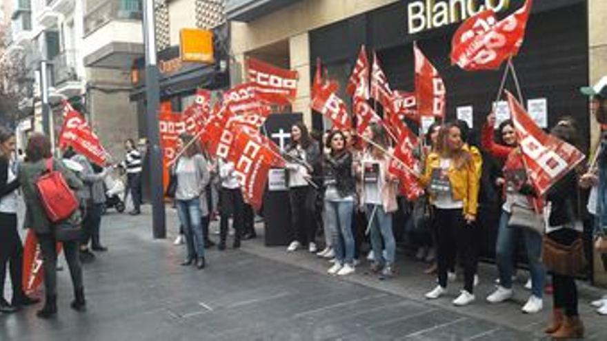 Tiendas Blanco protesta Extremadura