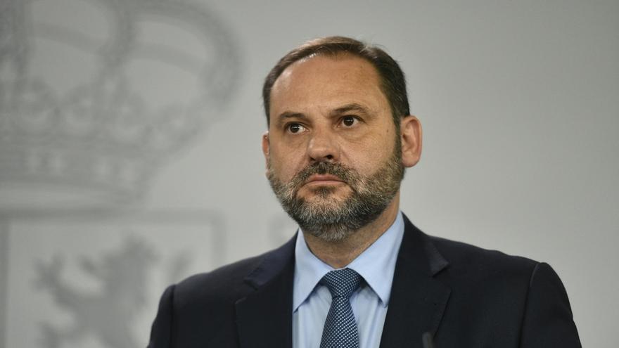 """Ábalos compara a Puigdemont con un """"caudillo"""" y le responsabiliza de """"romper"""" el PDeCAT"""