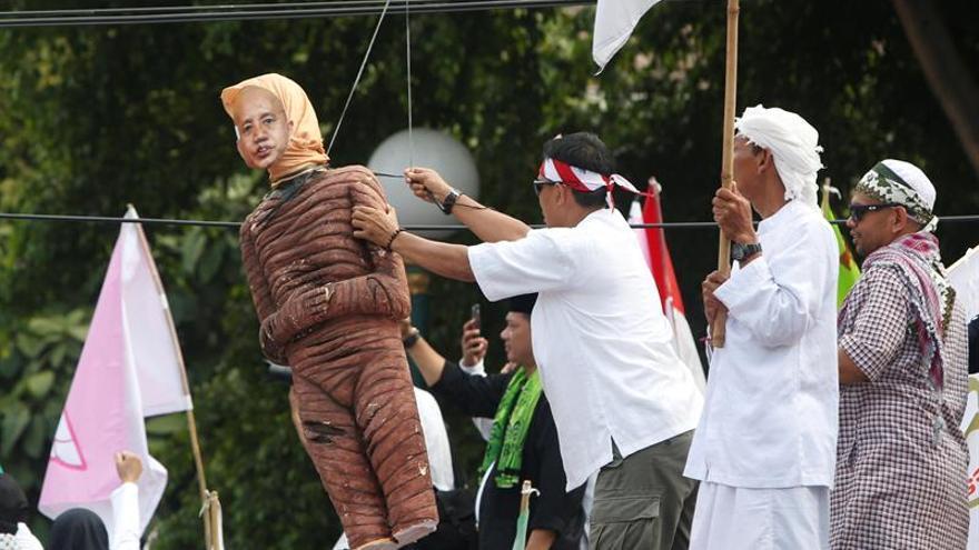 Insurgentes rohinyás en Birmania declaran un alto el fuego temporal