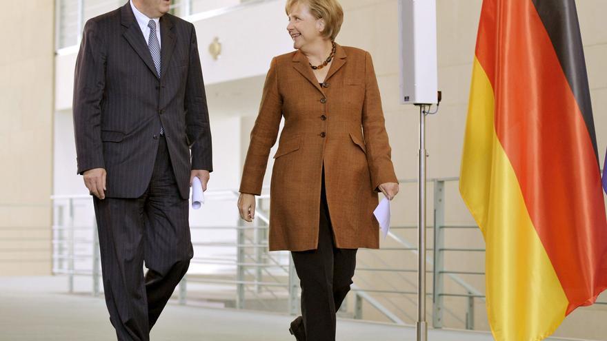 El Partido Socialdemócrata Alemán designa a Steinbrück como rival de Merkel