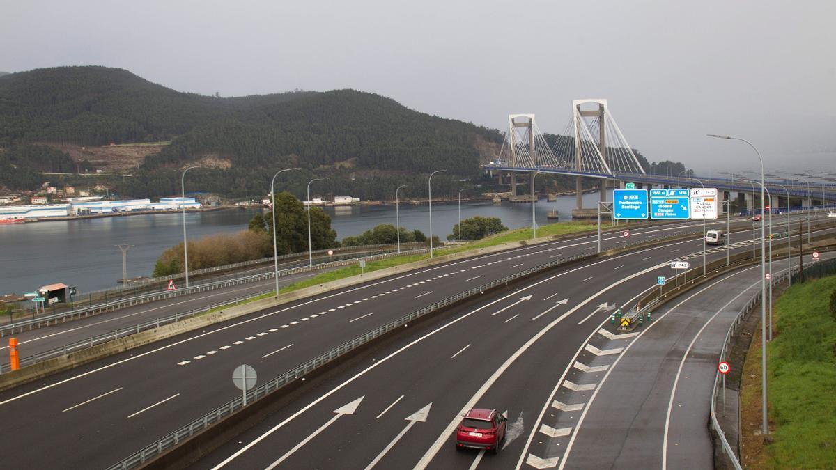 Vista de la AP-9 a su paso por Vigo.