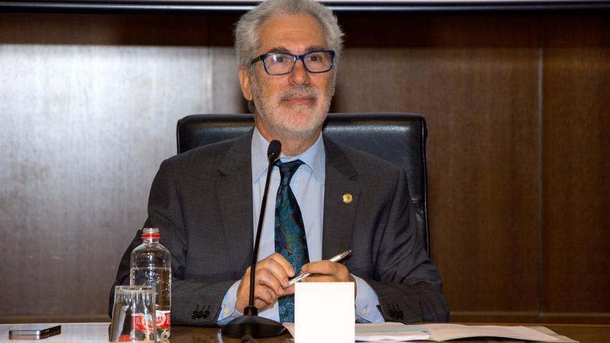 El rector de la Universidad de Las Palmas de Gran Canaria, José Regidor