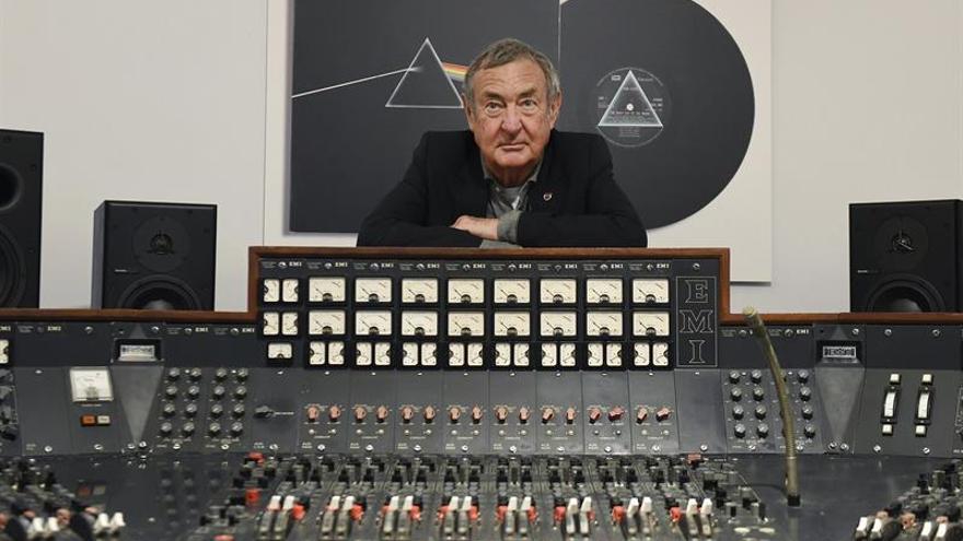 Presentan en Londres una consola que empleó el grupo Pink Floyd