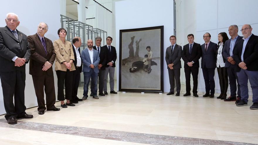 Feijóo y representantes políticos e institucionales, junto a 'A derradeira leición do mestre', de Castelao