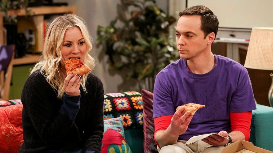 Kaley Cuoco y Jim Parsons en 'The Big Bang Theory'