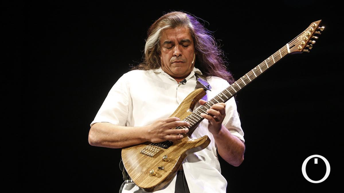 Pablo Salinas, guitarrista y director de Sinfonity
