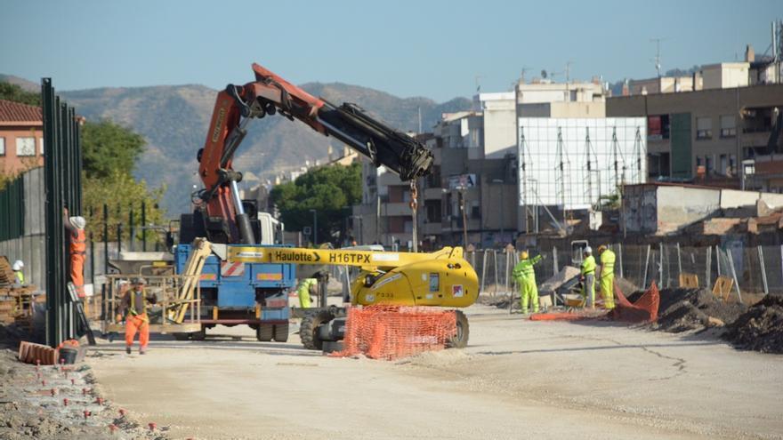 Contreras pide en la Comisión que el AVE no llegue a Murcia hasta que termine el soterramiento