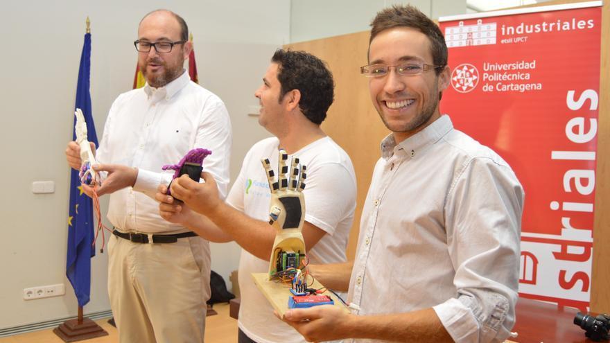 Vicente Muñoz ha creado una metodología de bajo coste para el diseño y adaptación de prótesis impresas en 3D