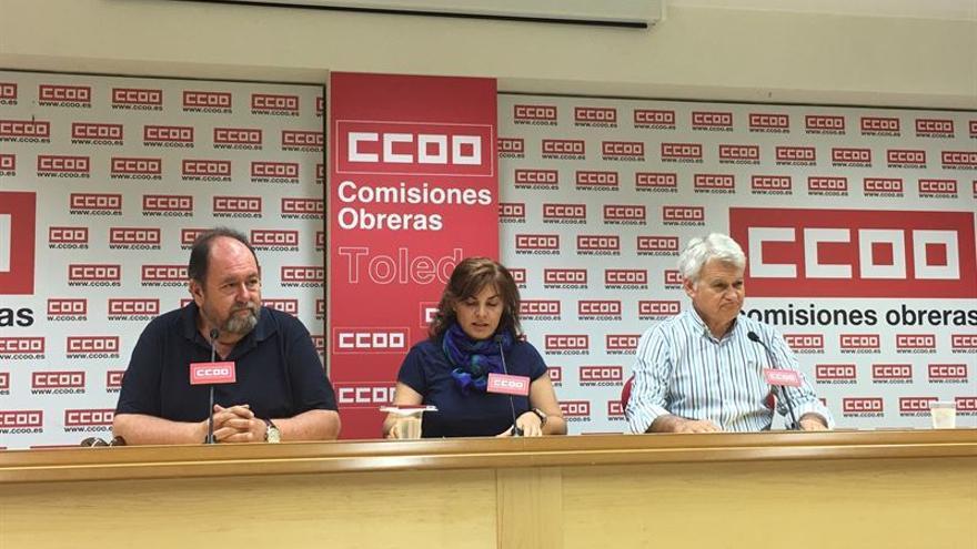 Alfonso Gil, Mercedes Gómez y José Luis Gil, de CCOO / Europa Press