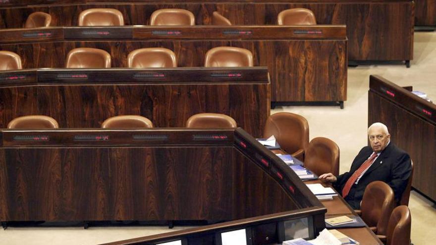 Los restos mortales de Sharón serán honrados por los ciudadanos en Parlamento