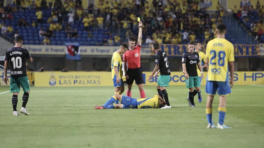 Un momento del choque disputado en el recinto de 7 Palmas.