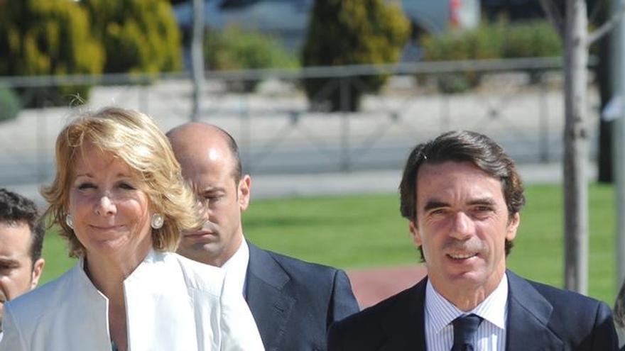 """Aguirre confiesa que Aznar todavía le """"intimida"""" y dice que tiene """"buena relación"""" con Rajoy """"en lo personal"""""""