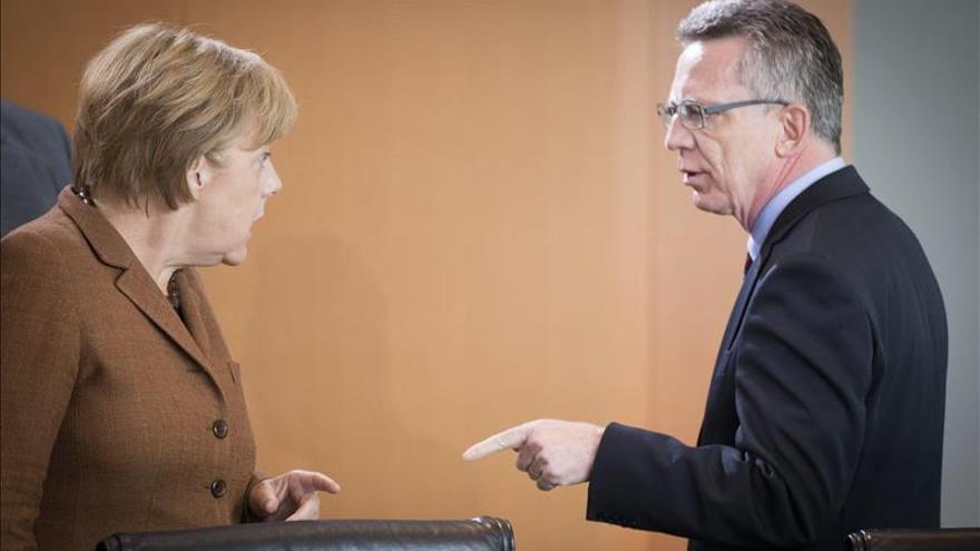 Nuevas discrepancias en el Gobierno alemán ante las oleadas de refugiados sirios