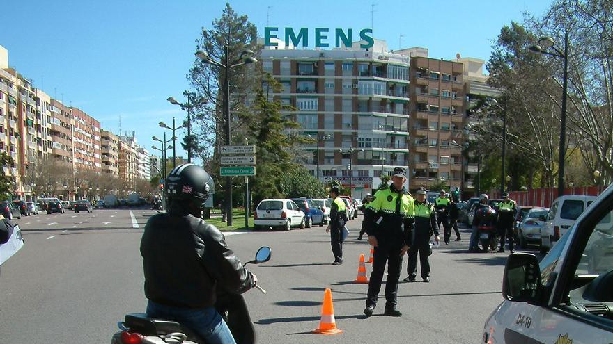 Un control de motos de la Policía Local de Valencia