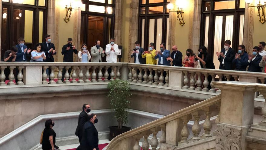 El líder de ERC, Oriol Junqueras, y los exconsellers de la Generalitat Josep Rull y Dolors Bassa a su llegada al Parlament tras ser indultados por el 1-O a 28 de junio de 2021, en Barcelona.