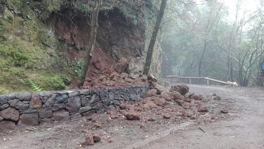 Otro lugar del tramo habilitado con caída de piedras