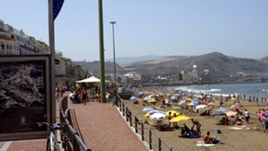 Canarias recibe un 2,5% más de turistas extranjeros