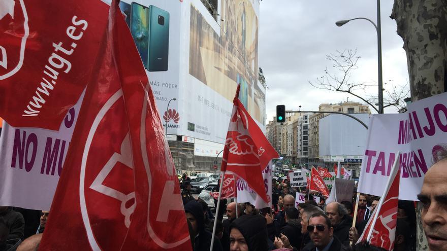 Conductores de VTC se movilizan en Madrid ante la sede de Podemos