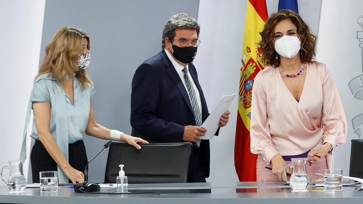 Yolanda Díaz, José Luis Escrivá y María Jesús Montero en una imagen de archivo.