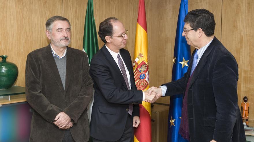 Valderas espera que el Consejo de Gobierno andaluz apruebe la nueva Ley de Memoria Democrática antes del 28 de febrero