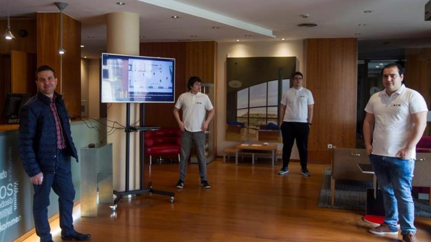 Un laboratorio de la Universidad de Salamanca (USAL) testa con éxito en Zamora una solución tecnológica que permite asegurar el mantenimiento de la distancia social en establecimientos públicos como comercios, negocios de hostelería, hoteles, cines, supermercados o dependencias administrativas.