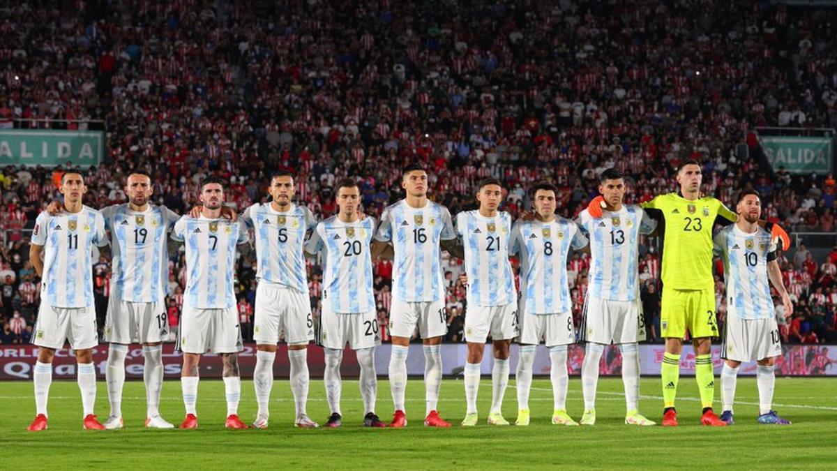 La formación titular que empató ante Paraguay en Asunción.