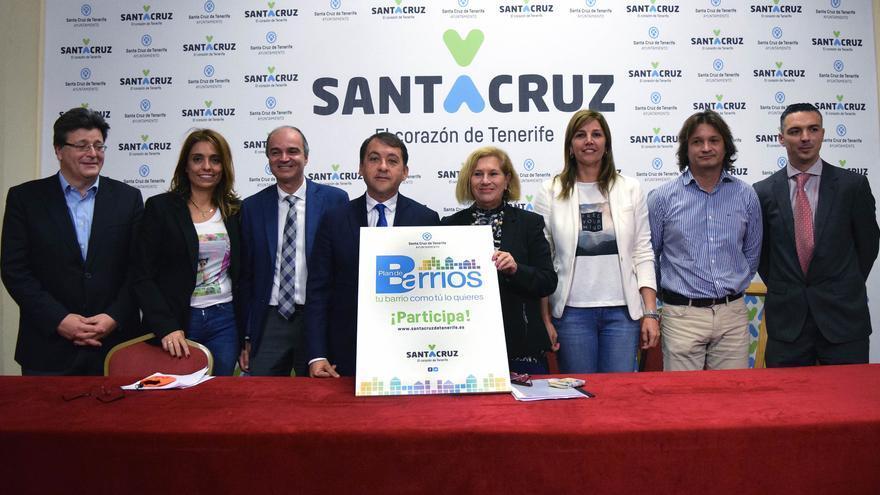 Presentación del Plan de Barrios en el Ayuntamiento de Santa Cruz