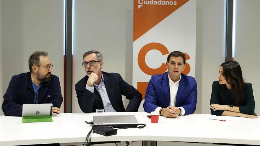 """Cs y Hacienda acuerdan bajar el IRPF en 2018 para que haya """"alivio fiscal"""""""