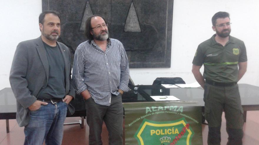Javier Mateo, Luis Miguel Domínguez y Rubén Castro en el acto 'Animales en peligro' de Toledo