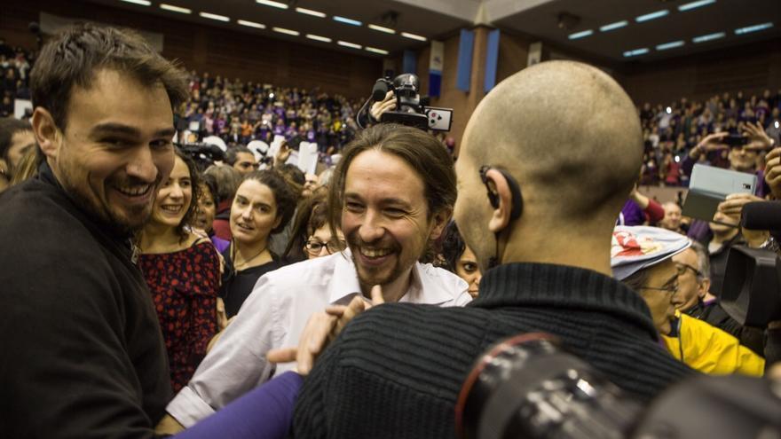 Acto Podemos Barcelona, llegada Iglesias