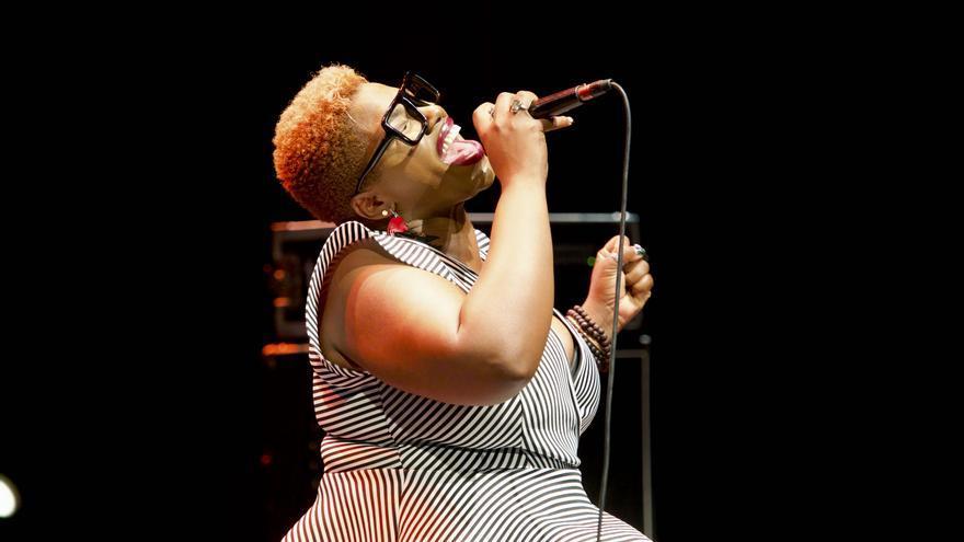 La cantante Kennedy en un momento de su primer concierto en Jazz San Javier