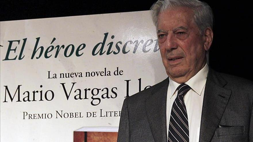 """Vargas Llosa ensalza a los """"héroes anónimos"""" que preservan la civilización"""