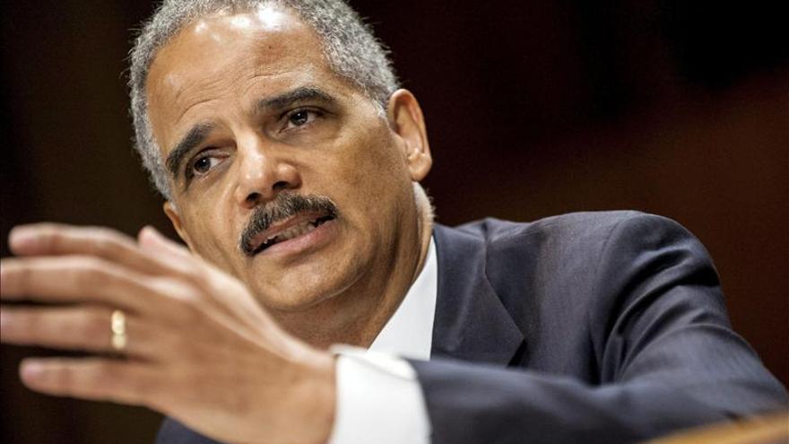 Holder dice que EEUU también se preocupa por garantizar la privacidad en Europa