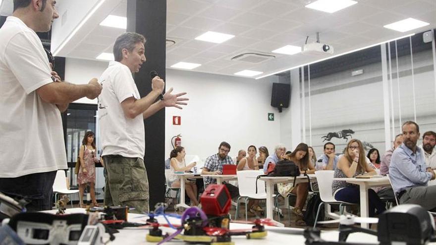 """Barcelona será la primera """"dron-city"""" y organizará carreras de drones"""