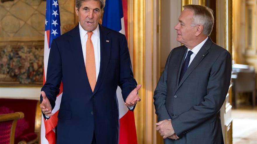 París intenta, con Kerry y Abás, relanzar el proceso de paz Israel-Palestina