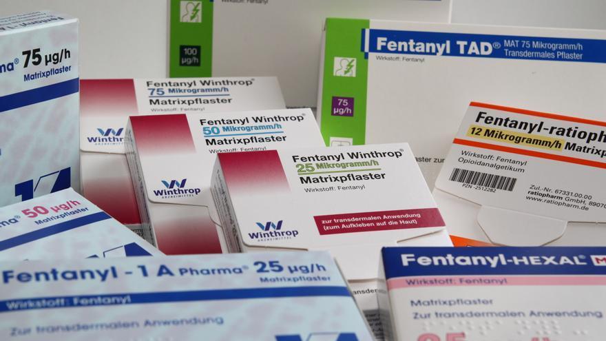 Los adictos han desarrollado nueva formas de consumir la droga de venta legal, como por ejemplo chupar los parches analgésicos.