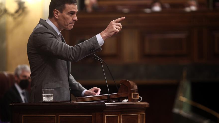Archivo - El presidente del Gobierno, Pedro Sánchez, interviene durante una sesión plenaria, a 14 de abril de 2021, en el Congreso de los Diputados, Madrid, (España). Durante el pleno, el Gobierno dará cuenta de los datos y gestiones realizadas durante el