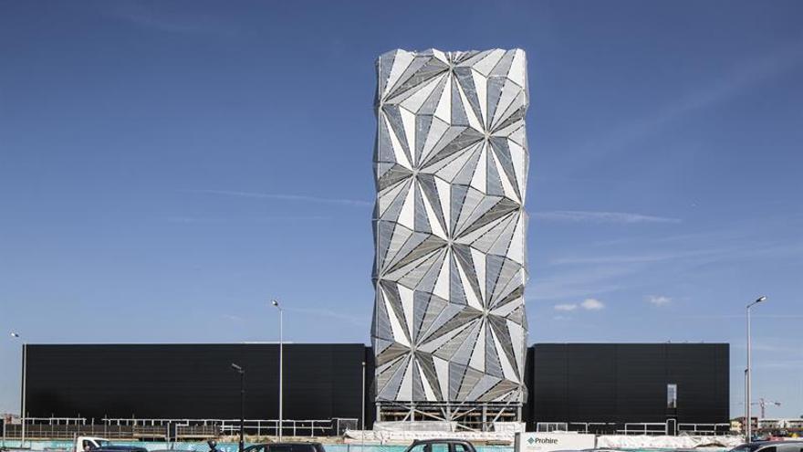 El artista Conrad Shawcross contribuye con su obra a la regeneración urbana