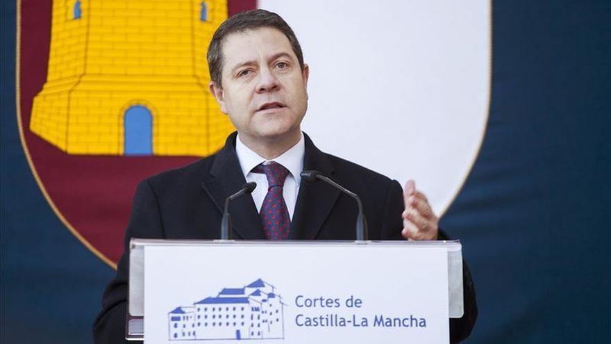 """Page pide """"añadir y no quitar"""" a """"la mejor"""" Constitución que ha tenido España"""