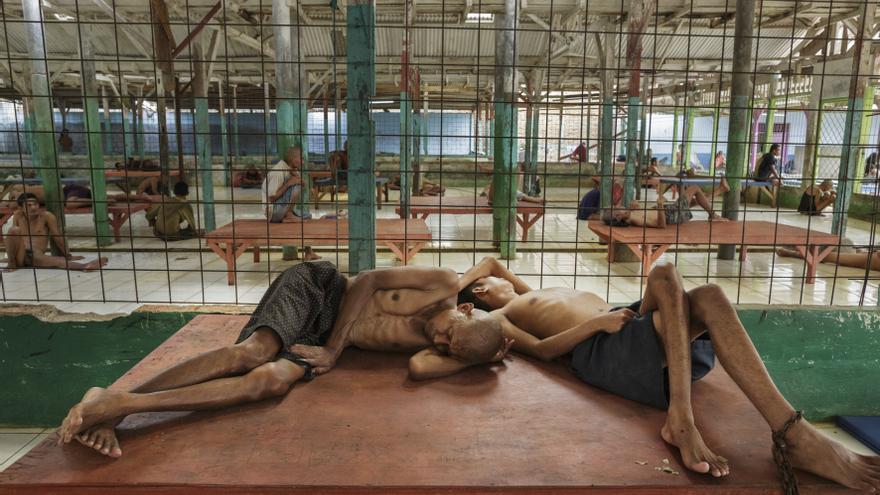 El informe detalla una larga lista de castigos y torturas a las que son sometidos los enfermos mentales