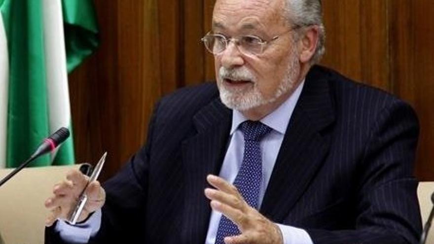 Maeztu pide que se aclare la configuración de los derechos y garantías en la futura ley andaluza de servicios sociales