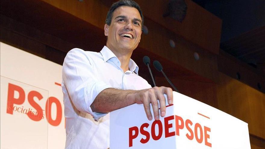 El PSOE se sitúa a un punto del PP ante el desplome de Podemos